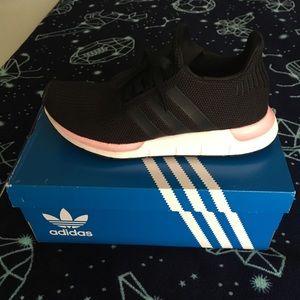 Adidas- Swift Run